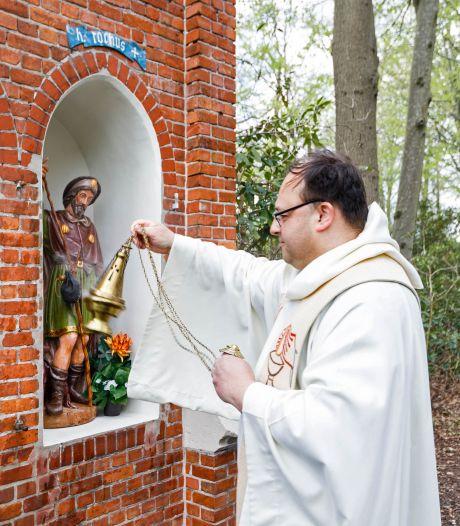 Beelden Mariapark weer als nieuw dankzij de kunstige hand van Cor
