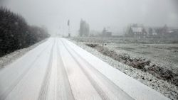 """Tot 5 centimeter sneeuw verwacht, code geel vanaf zes uur van kracht: """"KMI waarschuwt voor gladheid"""""""