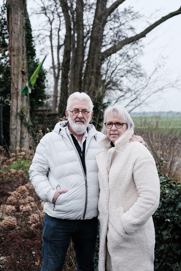 Klaas én Jetske verloren allebei hun baan, maar ondanks hun leeftijd (Klaas is inmiddels 65) vonden ze binnen een aantal weken nieuw werk.