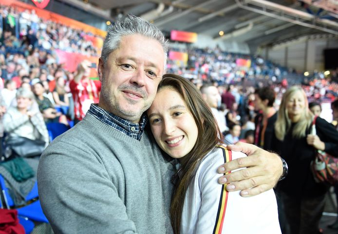 Nina Derwael met papa Nico.