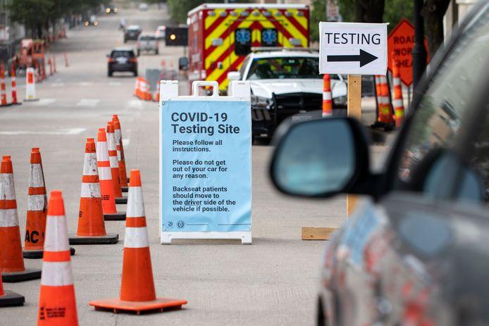 Une station de test au nouveau coronavirus à Dallas, au Texas.