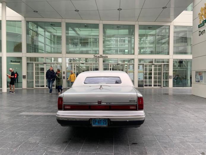 Richard de Mos gaat weer campagne voeren in zijn limousine.