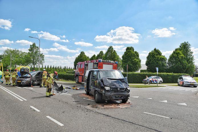 Een bestuurder werd met de ambulance naar het ziekenhuis gebracht
