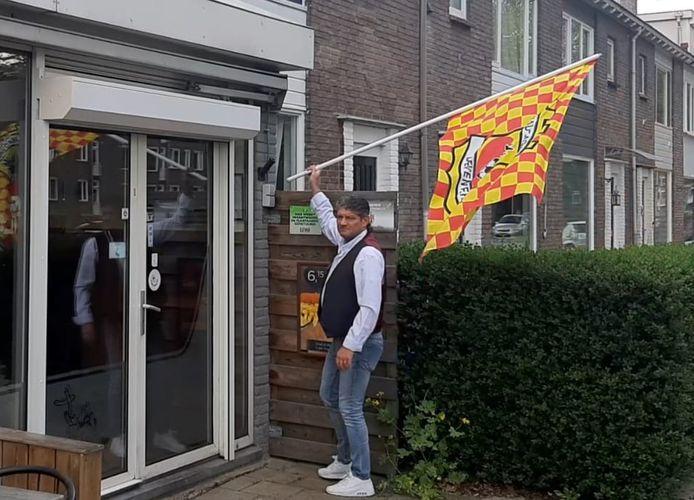 Bij de snackbar in Deventer wijk Keizerslanden gaat de rood-gele vlag vast uit.