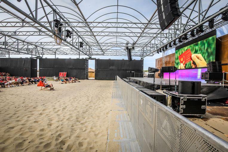 Hier in Zeebrugge zal pas zaterdag gedanst worden. Beeld Benny Proot