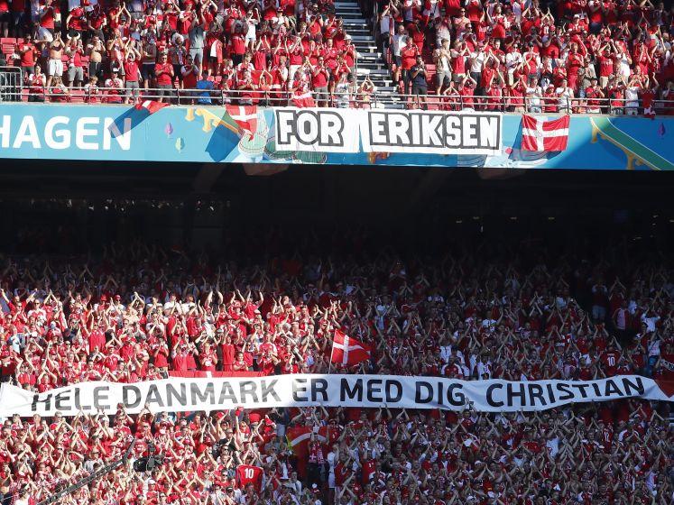 Indrukwekkend eerbetoon voor Eriksen: 'Heel Denemarken is met jou'
