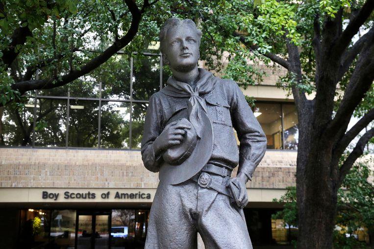 Een standbeeld van een scout bij het hoofdkwartier van de Boys Scouts of America in Irving, Texas. Beeld AP