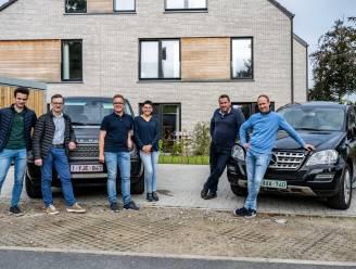 """Vier vrienden doen mee aan Baltic Sea Rally en rijden 9.000 kilometer voor het goede doel: """"Dit wordt geen gewoon autoritje"""""""
