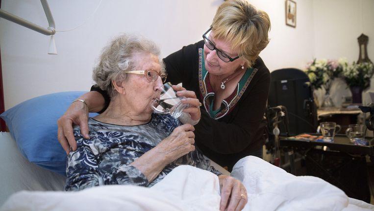 'We kunnen verplegers ook fatsoenlijk gaan betalen.' Beeld Arie Kievit