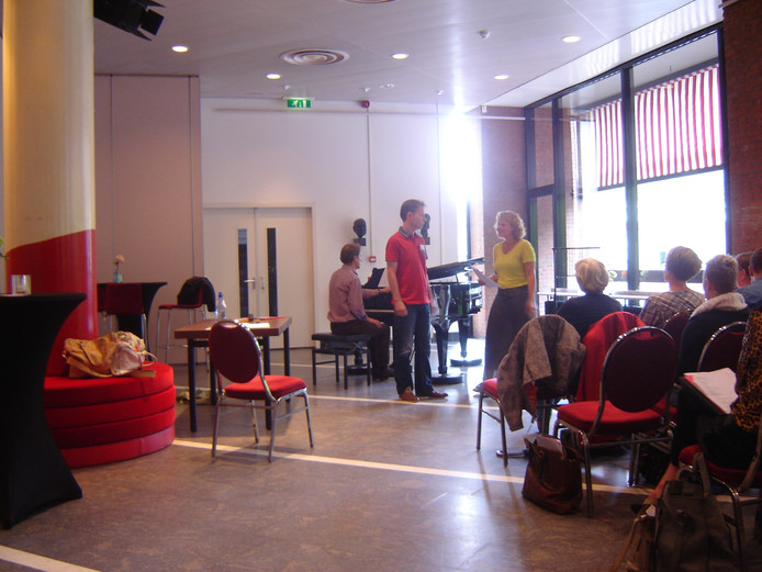 Musicalworkshop tijdens een eerder IVC int de Spiegelzaal van het theater.