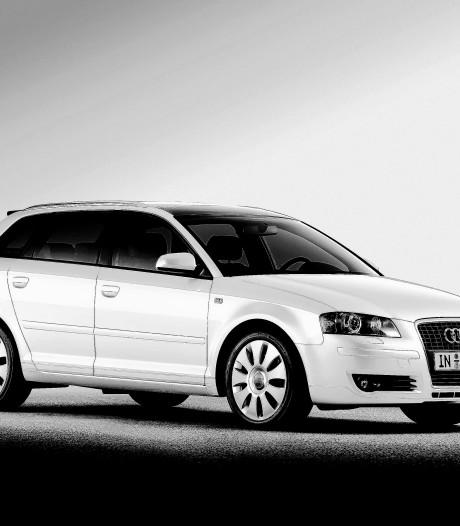 Uit meerdere Audi's in Doesburg werd het stuur gestolen, de politie onderzoekt door wie