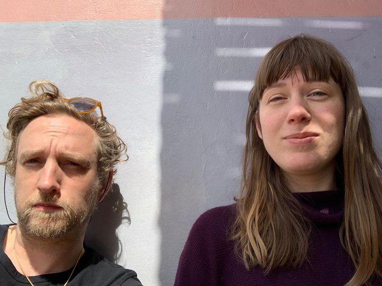 Jonas Martens-Baars (35) en Dorine Martens-Baars (31) zitten vast in het Marokkaanse dorpje Mirleft. Beeld Jonas Martens