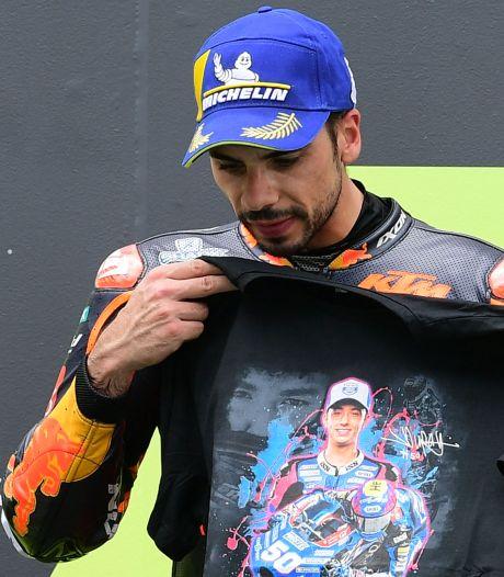 MotoGP: Oliveira eert verongelukte coureur, Quartararo met blote borst over de finish