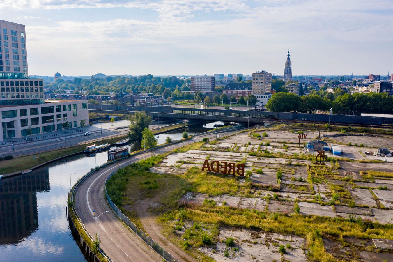 De Markkade en het terrein 't Zoet waar de vroegere suikerfabriek gestaan heeft.