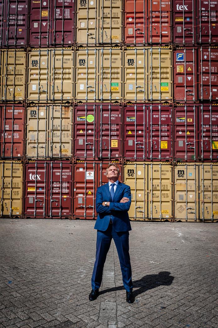 Theo van Ravesteyn, vertrekkend directeur Nederland bij rederij MSC. ,,Ik ben een zondagskind.''