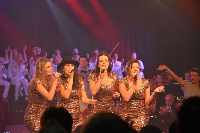 De zangeressen van de succesvolle Erpse coverband REPOP.