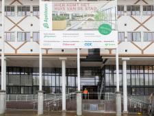 Oplossing voor pijnlijke kwestie: stadhuis Apeldoorn krijgt een eenvoudige entree