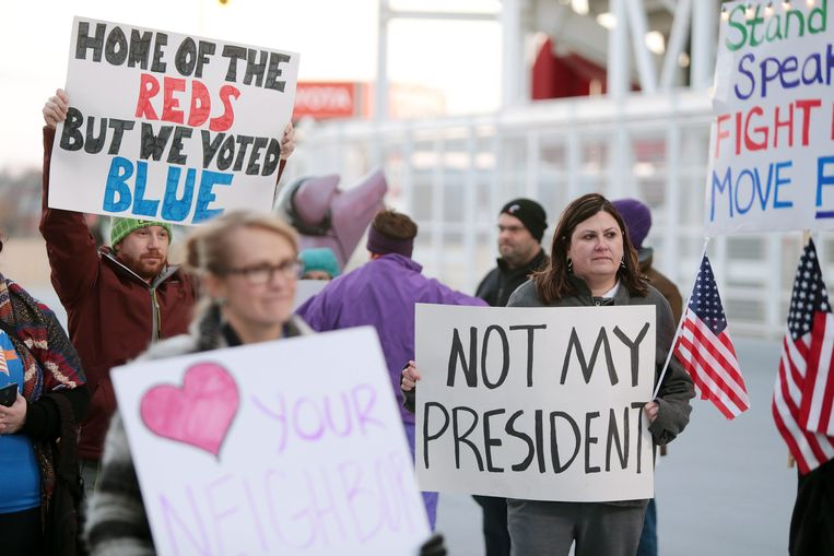 Amerikanen protesteren tegen de verkiezing van Donald Trump.  Beeld EPA