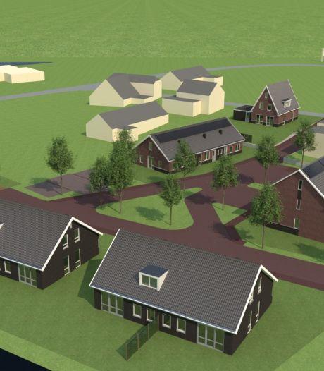 Veertien nieuwe woningen in wijkje aan Maasbommelse dijk, helft voor senioren