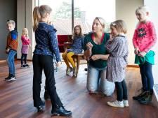 Geen verlegen kids, maar echte podiumbeesten tijdens theaterworkshop in De Leest
