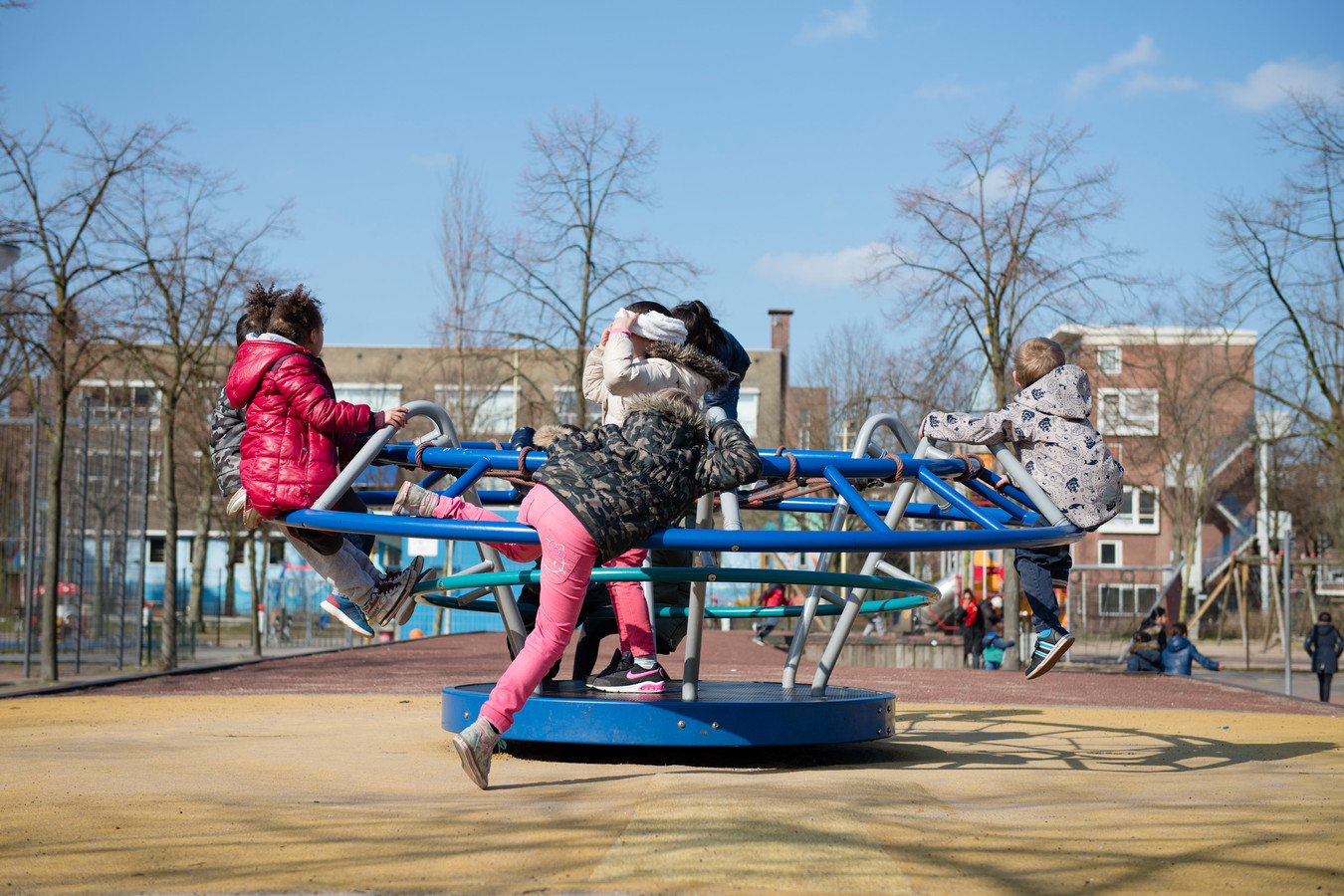 Spelende kinderen op Plein 1943 in Delfshaven. ANP MARIEKE ODEKERKEN