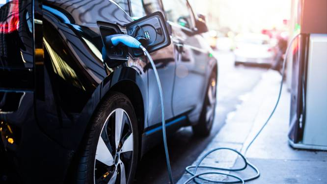 HET DEBAT. Is het een goed idee om enkel nog elektrische bedrijfswagens fiscaal aantrekkelijk te maken?