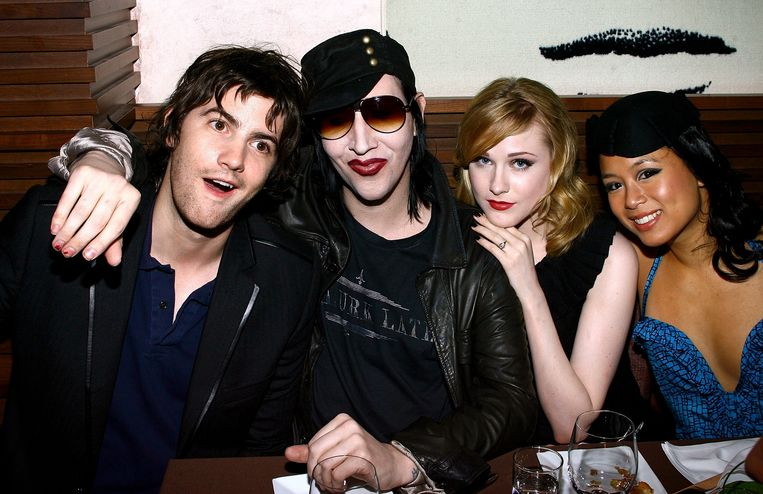 Marilyn Manson en Evan Rachel Wood (m.) in 2007. Beeld AFP