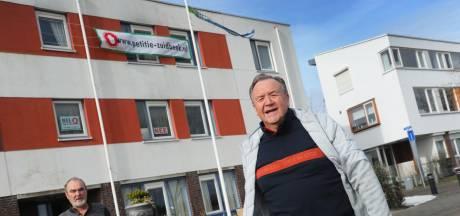 Protest tegen wooncomplex arbeidsmigranten zwelt aan in Lammerenburg en omgeving