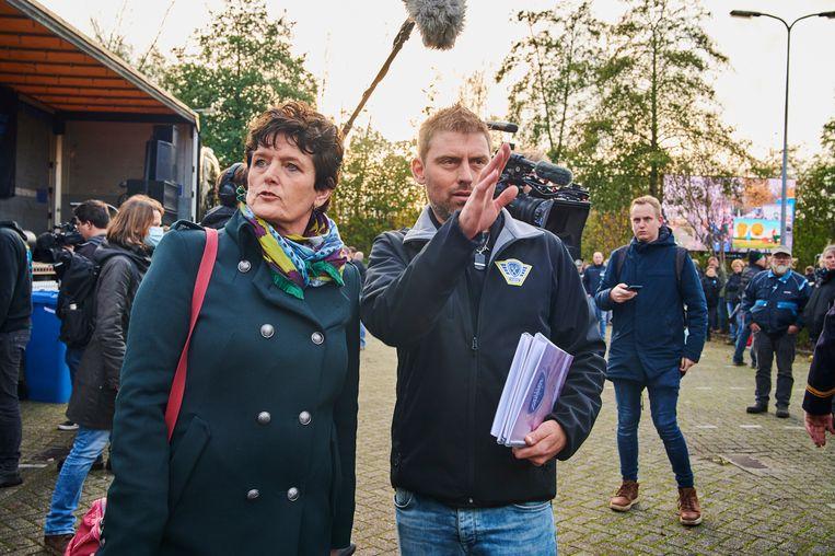 FrieslandCampina verbrak de banden met het melkveebedrijf van Sieta van Keimpema (links) in 2019. Beeld ANP