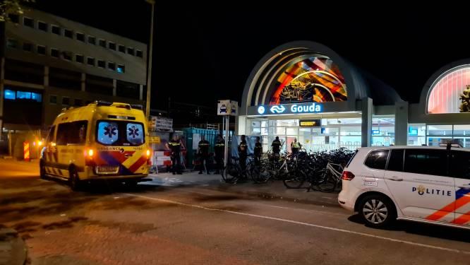Ruzie met mes en eerder mishandeling NS'ers op station Gouda: ongure plek of neemt overlast juist af?