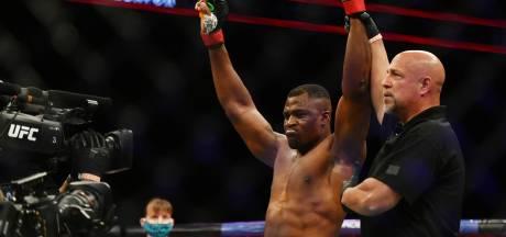 Ngannou deelt titelverdediger Miocic brute knock-out uit en is de nieuwe UFC-kampioen