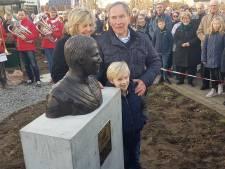 'Een verdiend borstbeeld voor Den Boet' in Ammerzoden