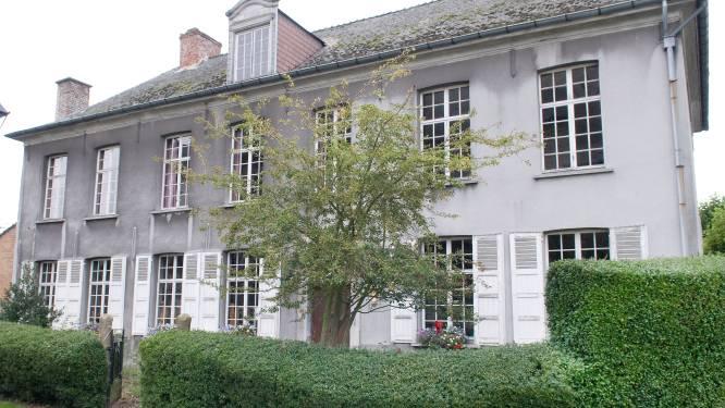 Asbest jaagt kostprijs van renovatie pastorie Ename de hoogte in