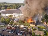 Zeer grote brand bij garagebedrijf in Soesterberg