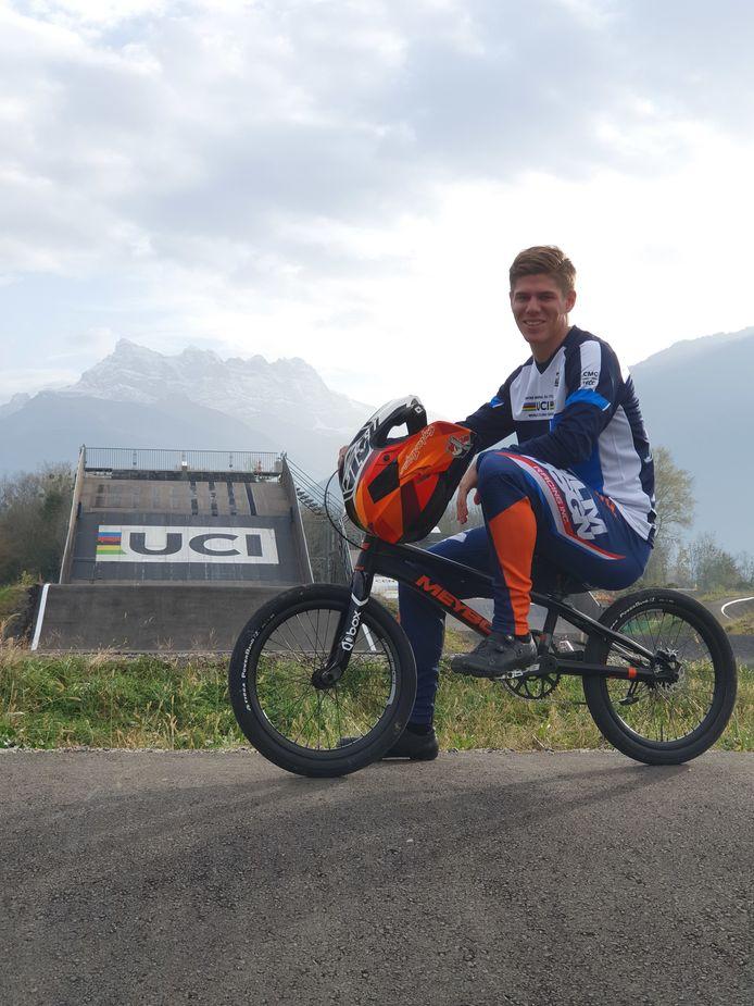 Niek Kimmann op de BMX-baan van het UCI-centrum in het Zwitserse Aigle.