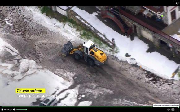 Rit 19 stilgelegd door hevige sneeuwval.