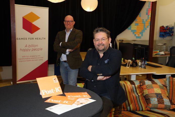 Jurriaan van Rijswijk (r) van Games for Health en anesthesioloog-intensivist Marc Buise van het Catharina Ziekenhuis.