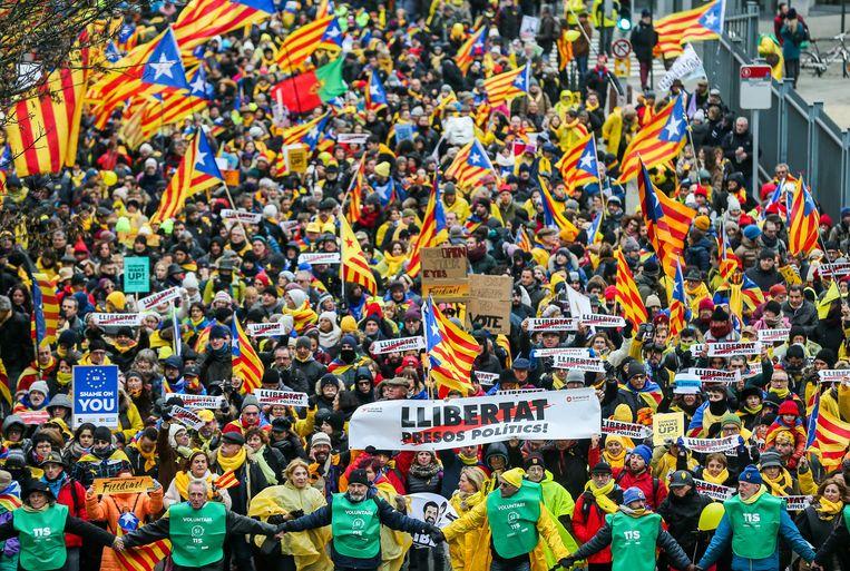 In Brussel werd op 7 december geprotesteerd tegen de opsluiting van politieke leiders in de gevangenis. Beeld EPA