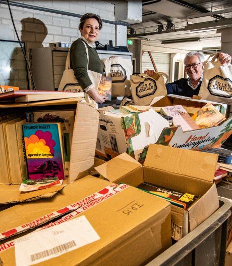 De Rotaryclub in Deventer verkoopt verrassingstassen: 'Daarmee steunen we muzikanten én de verzorgingshuizen'