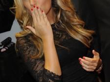 Sylvie deelt sexy valentijnskiekje