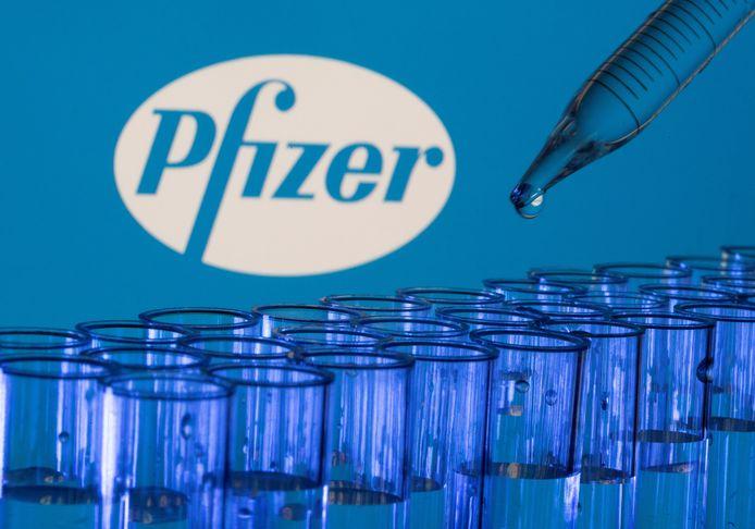 Une fausse agence en communication a contacté plusieurs influenceurs pour dénigrer le vaccin Pfizer sur les réseaux sociaux.