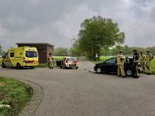 Automobilist raakt gewond bij aanrijding in Mander