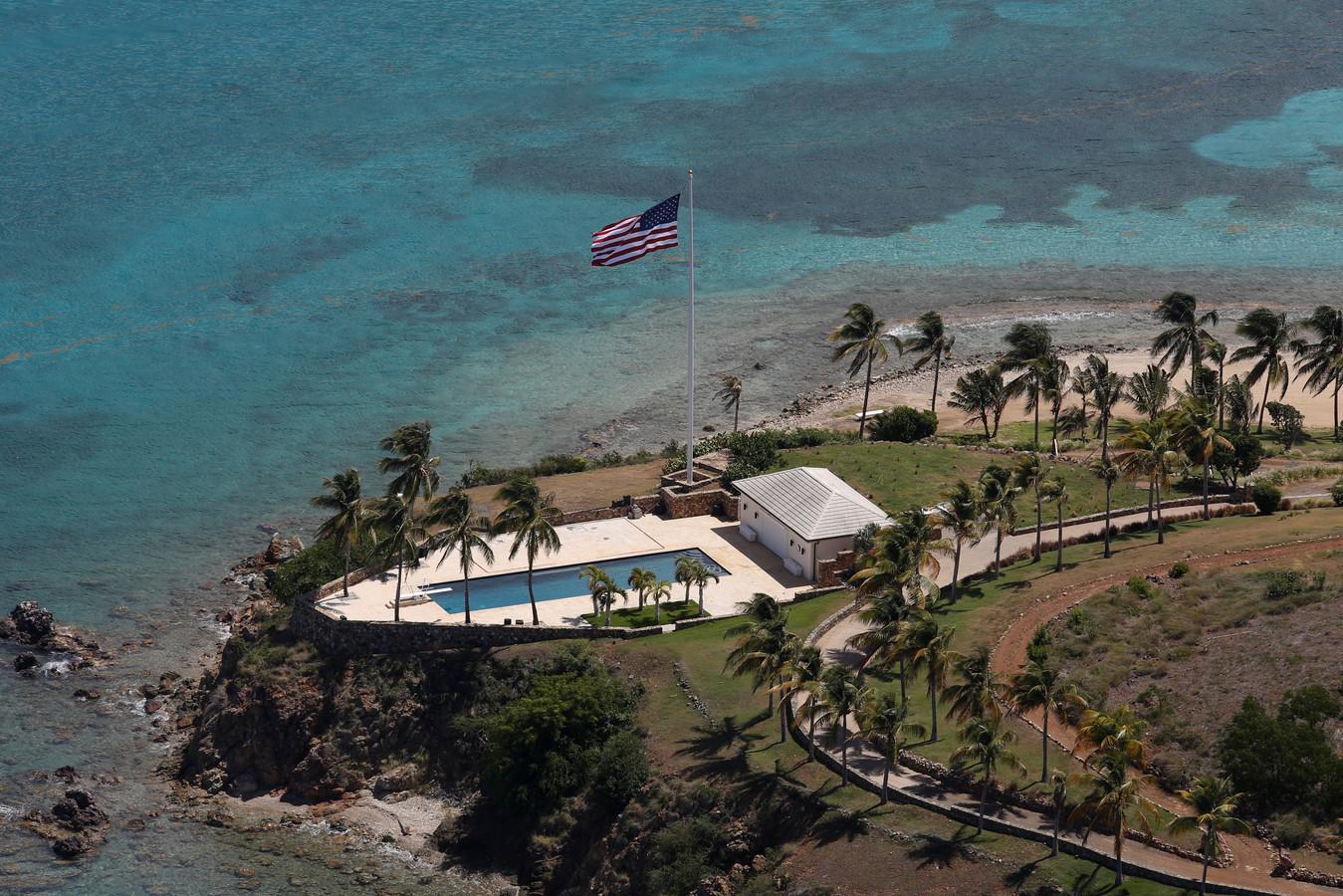 Le millionnaire possédait deux îles privées dans l'archipel des Iles Vierges, Little St. James et Great St. James.