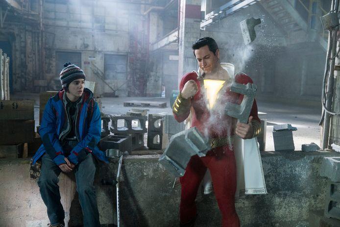 Jack Dylan en Zachary Levi zijn te zien in de superheldenfilm Shazam! op Netflix.