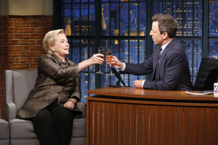 Hilary Clinton te gast bij Seth Meyers Beeld NCBU Photo Bank via Getty Images