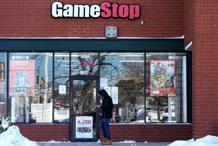 De waarde van winkelketen voor videospellen GameStop steeg door de massale aankoop van diens aandelen door Reddit-gebruikers in één week tijd met 1.000 procent. Beeld AP
