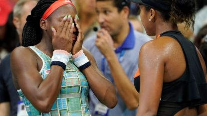 Emotioneel moment op US Open: tienersensatie Gauff en titelverdedigster Osaka in tranen na onderling duel