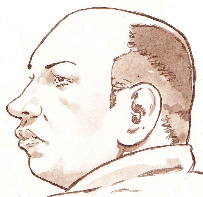 Politiemol Mark M. was ondanks een gevangenisstraf van vijf jaar door een foutje van het OM op vrije voeten. Toen hij zich wilde melden om alsnog de cel in te gaan, bleek het politiebureau gesloten