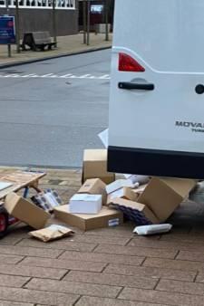 Pakketbezorger smijt dozen op straat: 'Als je niet wil dat ik ermee gooi, moet je niks bestellen'