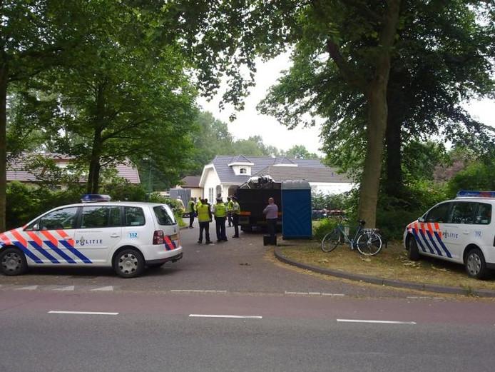 Inval in het kamp aan de Joannes Zwijsenlaan in Oss. Foto Jan van den Hout/BD